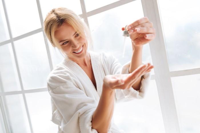 Mengenal AHA dan BHA, kandungan di produk skincare. Foto: iStock