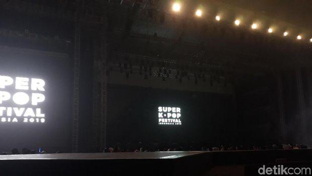 Ha Sung Woon Sukses Panaskan 'Super K-Pop Festival