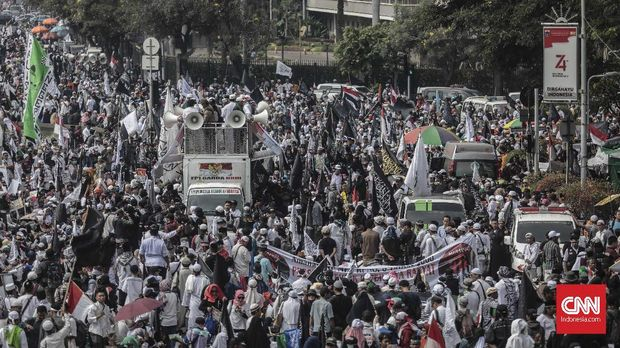 Dosen IPB Tersangka Rencana Lempar Molotov di Aksi Mujahid 21