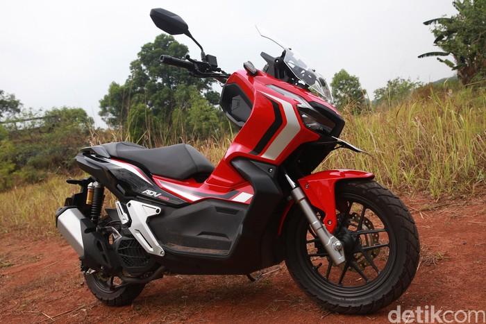 PT Astra Honda Motor (AHM) telah luncurkan skutik yang jadi fenomenal di kalangan pencinta roda dua Indonesia. Motor itu Adalah Honda ADV 150. Penasaran?