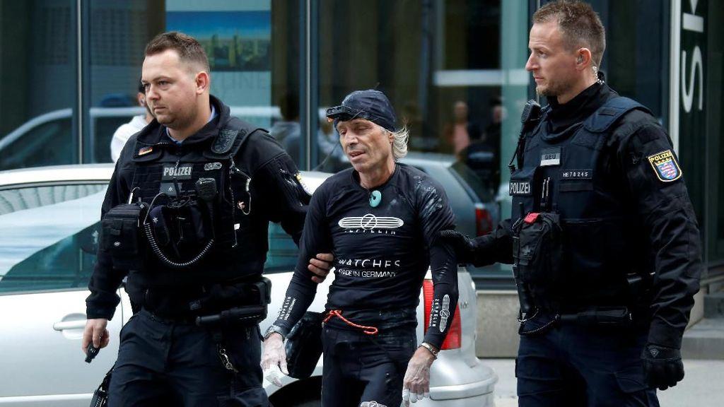 Panjat Gedung Skyper di Jerman, Spiderman Prancis Ditangkap