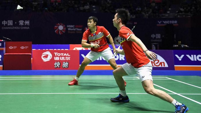 Kevin Sanjaya Sukamuljo/Marcus Fernaldi Gideon jadi salah satu wakil Indonesia di semifinal French Open 2019 (Foto: STR / AFP)