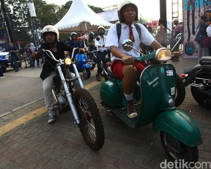 Diketahui mereka berkumpul di pasar blok S, Jakarta sebelum bersama-sama menuju GBK.