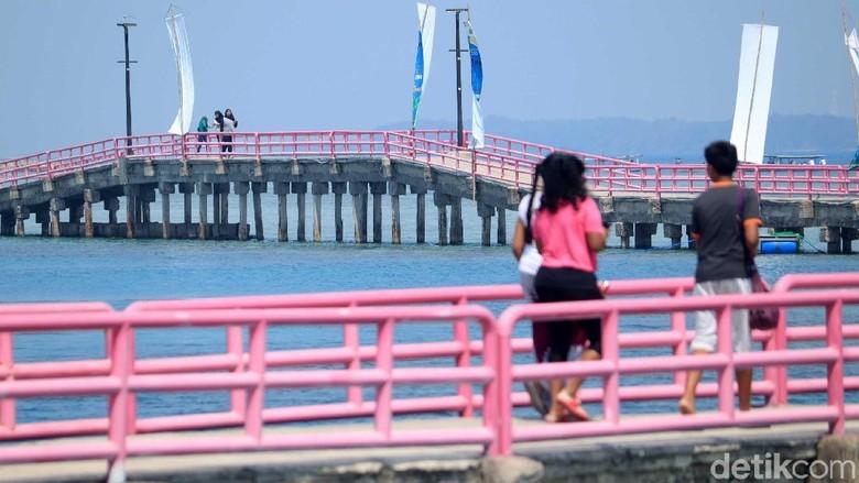 Jembatan Cinta di Pulau Tidung (Randy/detikcom)