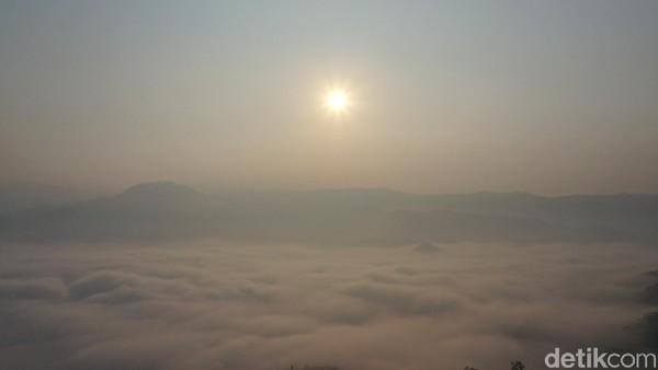 Sunrise alias matahari terbit di sana pun sangat indah! (Didik Dwi H/detikcom)
