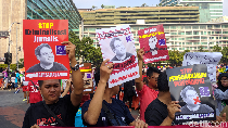 Kemunduran Demokrasi, AJI Jakarta Aksi Jalan Mundur di CFD
