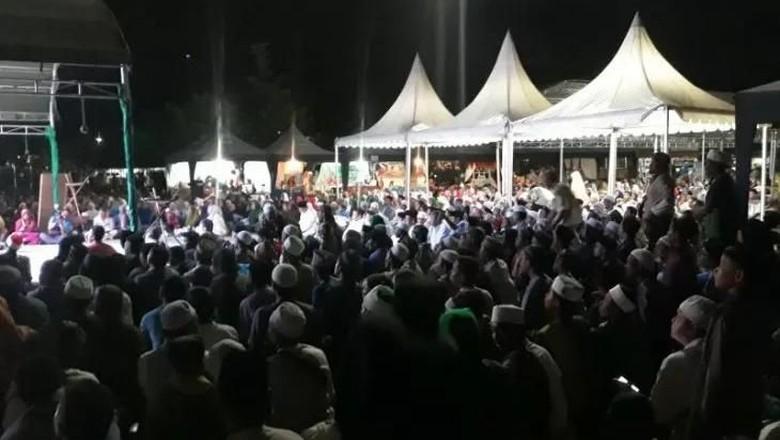 Ribuan Umat Islam Gelar Zikir Akbar Peringati Setahun Gempa Palu