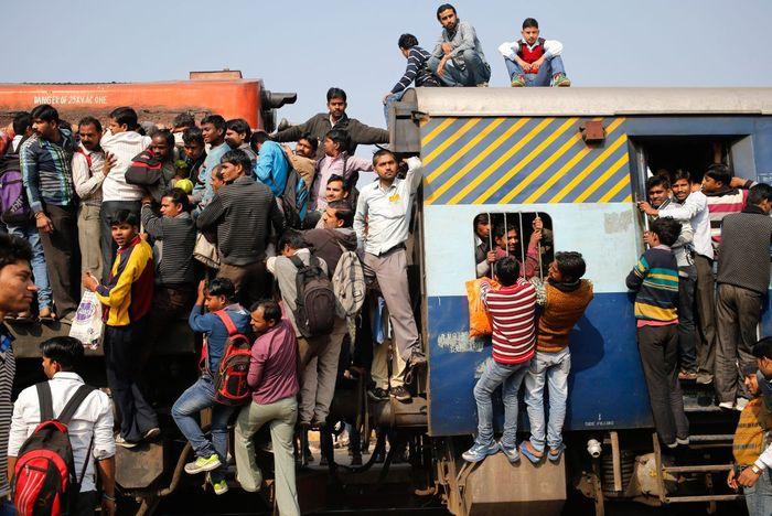 Kereta tersebut menghubungkan kota New Delhi dan Rajasthan dan telah dibangun sejak 1855.