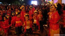 Foto: 17.857 Penari Goyang Karawang Pecahkan Rekor MURI