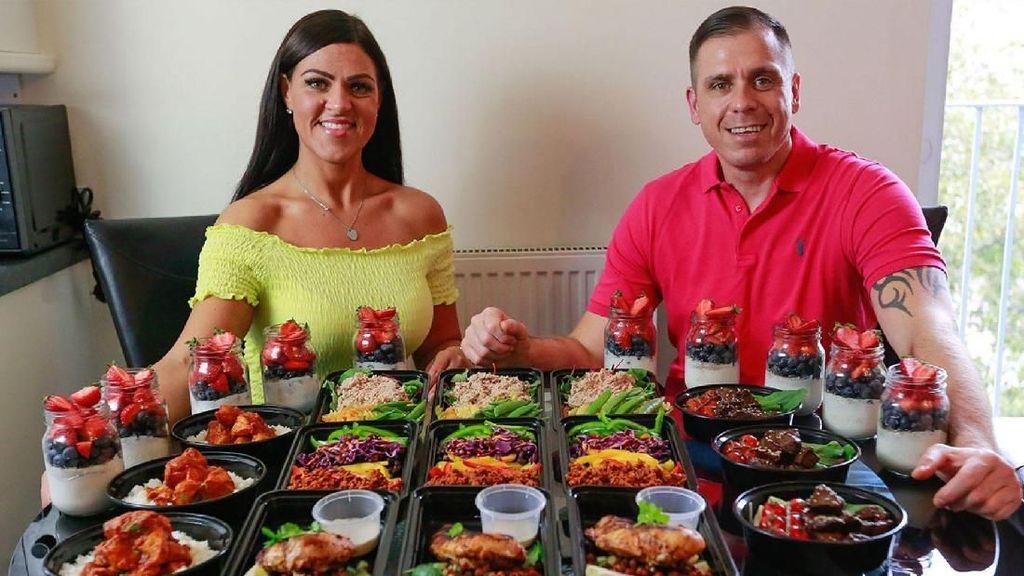 Pasangan Ini Sukses Turunkan Berat Badan 90 Kg Tanpa Batasan Makanan