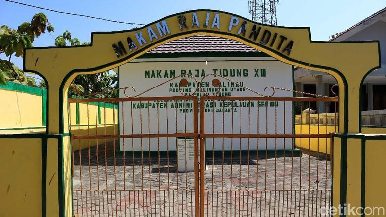 Makam Raja Pandita di Pulau Tidung (Randy/detikcom)