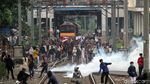Bentrok Antara Pelajar Vs Polisi Kembali Terjadi di Belakang DPR
