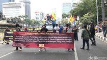 Pemuda-Petani Demo di Patung Kuda Tuntut Jokowi Tanggung Jawab soal Karhutla