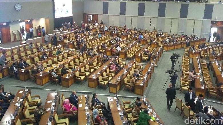 Paripurna Akhir, DPR Doakan Korban Rusuh Wamena-Mahasiswa Kendari yang Tewas