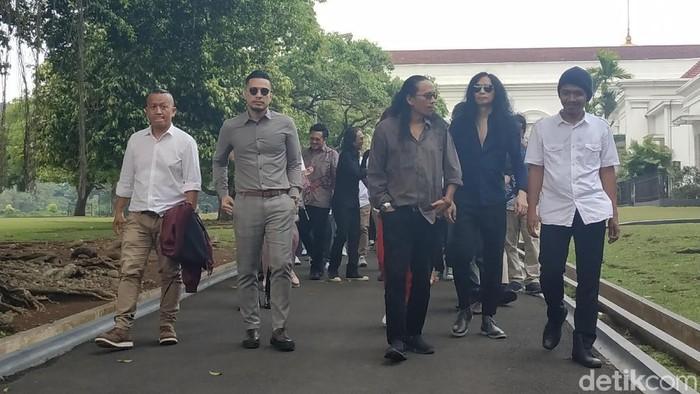 Musisi berbagai genre mendatangi Istana Negara, mereka mengajak Jokowi memeriahkan Konser untuk Republik (Andhika Prasetya/detikcom)