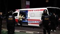 Cerita Petugas Ambulans yang Jaga Demo, Tolong Pedagang Sampai Wartawan