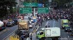 Ada Demo di Kawasan DPR, Tol Dalam Kota Lumpuh