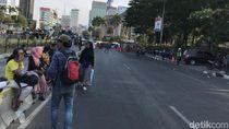 Massa Mahasiswa-Petani di Patung Kuda Bergeser ke Gedung DPR