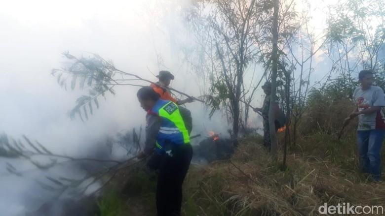 Kebakaran Gunung Arjuno-Welirang Terjadi di Tiga Lokasi, Api Terus Membesar