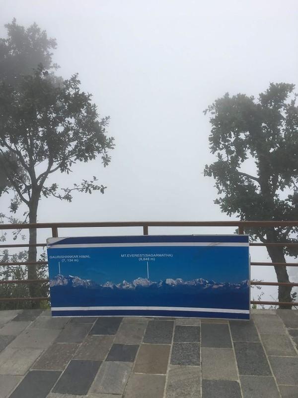 Maksudnya ini adalah pemandangan dari Gunung Everest di Nepal. (Foto: via Boredpanda.com)