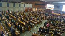 Anggota Dewan Ramai-ramai Hadiri Paripurna Akhir Masa Jabatan DPR 2014-2019