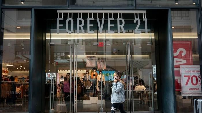 Toko Forever 21 di Amerika Serikat. Foto: Brian Kersey/Getty Images