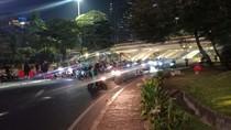 Ricuh di Jalan Sudirman, Pengendara Putar Balik di Bawah Semanggi
