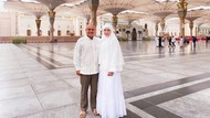 Bikin Pangling, Ini Gaya Hijab Maia Saat Umrah Pertama Bareng Suami