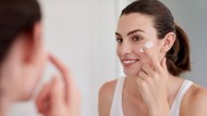 Disinggung Mahasiswi Saat Demo, Ini Alasan Skincare Harganya Mahal