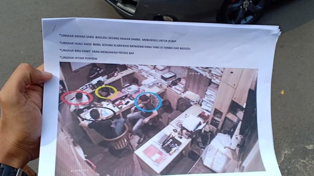 Bantah Tudingan Ananda Badudu, Polisi Tunjukkan CCTV