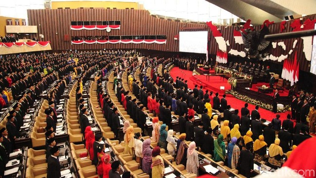 Rincian Gaji & Tunjangan Anggota DPR, Demo Puluhan Ribu Buruh