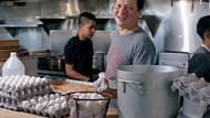 Uji Telur Rebus Terbesar di Dunia, Chef Ini Bagikan Tips Merebus Telur