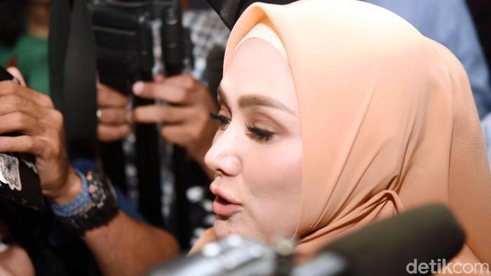 Mulan Jameela saat ditemui di Gedung DPR.