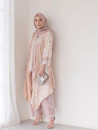 OOTD Batik Hijab Mega Iskanti