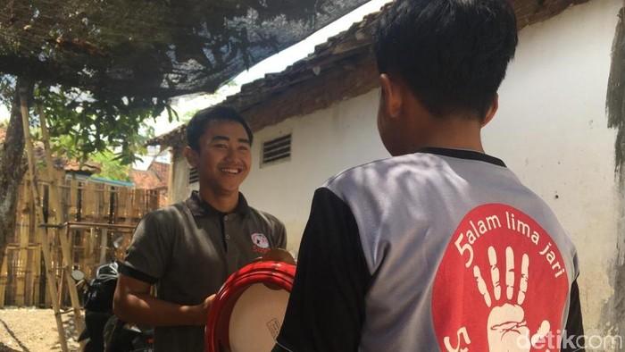 Kesenian jadi cara rehabilitasi yang dilalui para pecandu narkoba di Banyuwangi. (Foto: Frieda Isyana Putri/detikHealth)