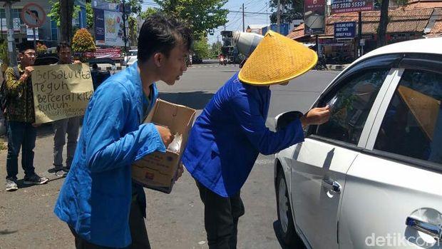 'Sedekah Seribu Kopi', Aksi PMII Purworejo Bikin Sejuk Suasana