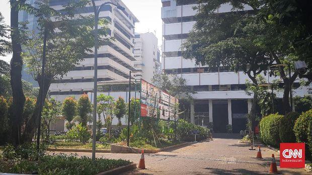 Sisa Rusuh dan Gas Air Mata yang Terasa di Dekat Atma Jaya