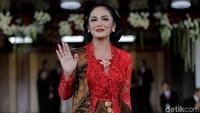 Krisdayanti merupakan salah satu artis yang berhasil lolos menjadi anggota DPR RI periode 2019-2024. Ia PDIP dapil Jawa Timur V dengan perolehan suara 132.131. Dok. CNN Indonesia/ Adhi Wicaksono.