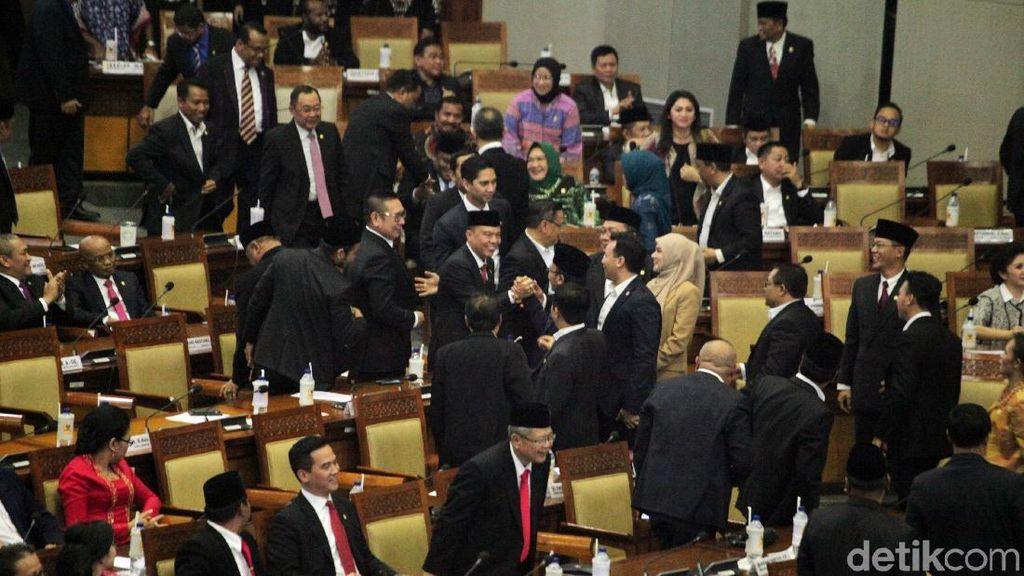 DPR Rapat Bahas Pembagian Ruang Kerja-Rumah Jabatan