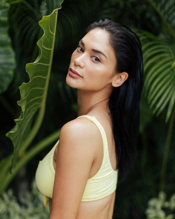 Wanita 30 tahun ini memiliki nama lengkap Pia Alonzo Wurtzbach. Baru-baru ini Pia menghabiskan liburan di Bali sehingga namanya mencuri perhatian netizen Indonesia. Foto: Instagram piawurtzbach