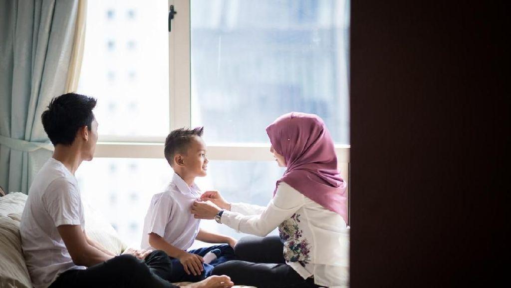 Viral Anak Buatkan Sarapan Ayah, Ini Adab dan Akhlak Kepada Orang Tua