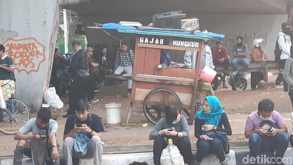Jagoan! Penjual Mi Ayam Nggak Takut Demo, Tapi Takut Satpol PP