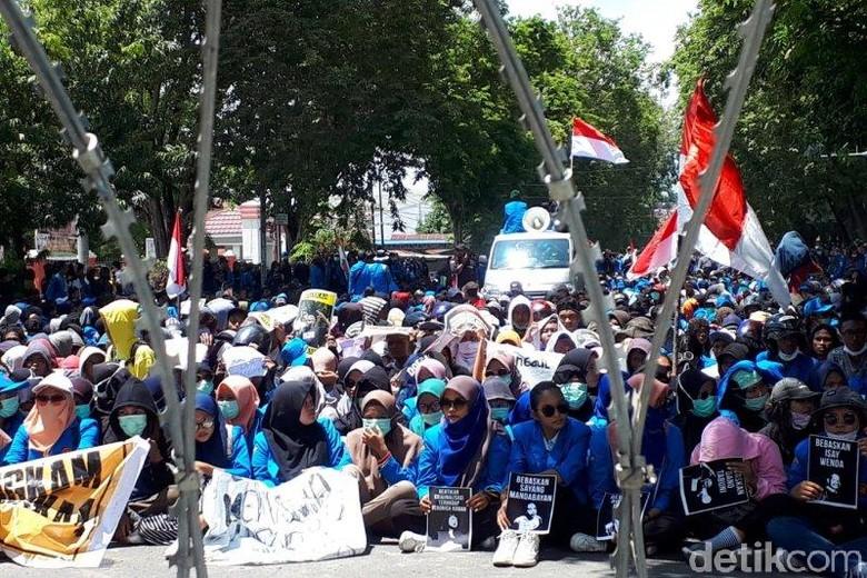 Foto: Mahasiswa Se-Palu gelar aksi demo (Antara Foto)