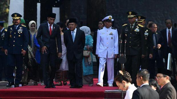 Jokowi-JK Tiba di Parlemen Saksikan Pelantikan DPR (Hold)