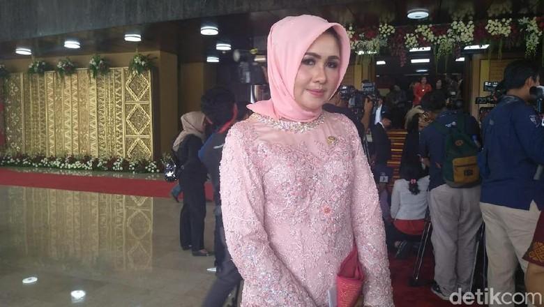 Evi Kelewat Cantik-GKR Hemas Terpilih Jadi Pimpinan AKD DPD 2019-2020