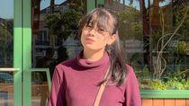 Gaya Santuy Mahasiswi Cantik Viral karena Demo Bawa Mobil Mewah di Surabaya