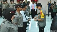 7 Polisi Korban Lemparan Batu Saat Demo di DPRD Solo Terima Penghargaan