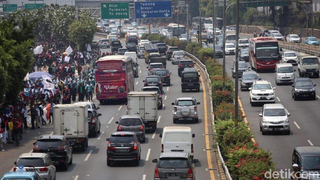 Buruh Janji akan Terus Demo Sampai Tuntutan Dipenuhi
