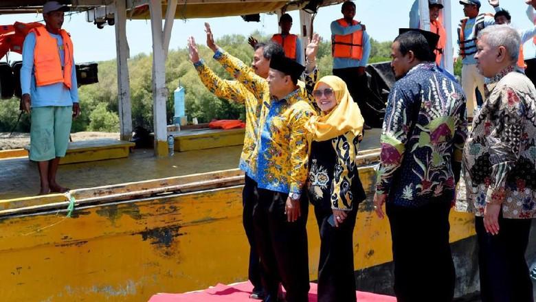 Wagub Jabar Lepas Nelayan Indramayu Melaut ke Indonesia Timur