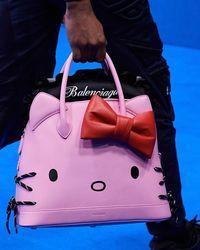 Balenciaga Rilis Tas untuk Pria Bergambar Hello Kitty, Yay or Nay?